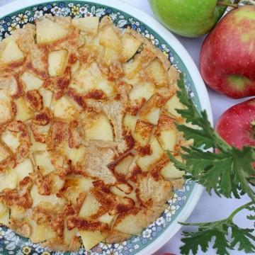 Спелта палачинки с ябълки