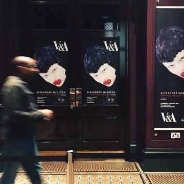 Непоносимо прекрасно: на изложбата на Алекзандър Маккуин в Лондон