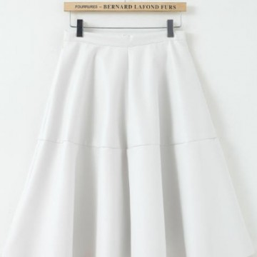 Kрасива пола с висока талия от изкуствена кожа
