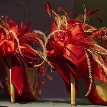 """Моден уикенд в Лондон - изложбата """"Обувките: удоволствие и болка"""""""