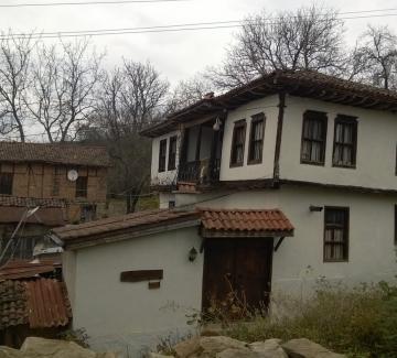 Село Свежен - архитектурна находка в сърцето на Сърнена Средна гора