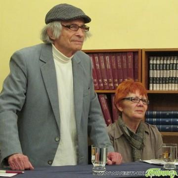 """Разговор за една """"скромна"""" изложба, една книга със спомени и 85-годишен юбилей"""