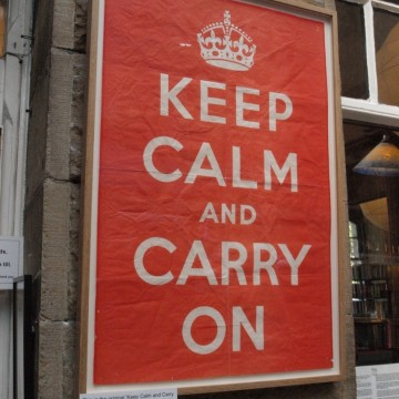 "Оригиналът на ""Keep Calm and Carry On"" на търг в Лондон"