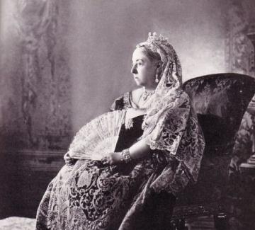 Как булчинската рокля на кралица Виктория промени историята?