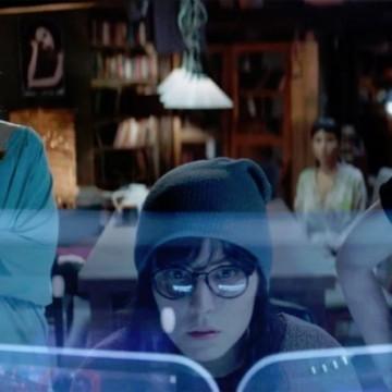 Нуми Рапас със седем роли в един филм
