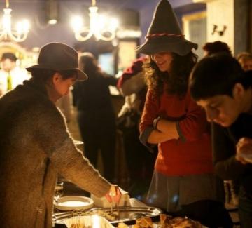 Парти с шапки и храна от Света на Диска