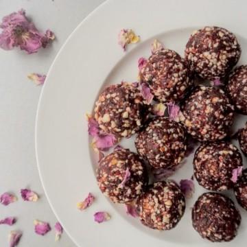 Вкусно по природа: сурови бонбони с роза