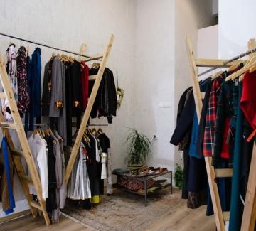 """Twisted Mannequin: Новото място за """"бавна мода"""" от български дизайнери"""