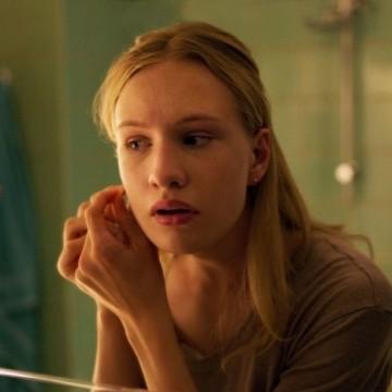 """""""Момиче"""" – филмът, който трябва, но няма да видим"""