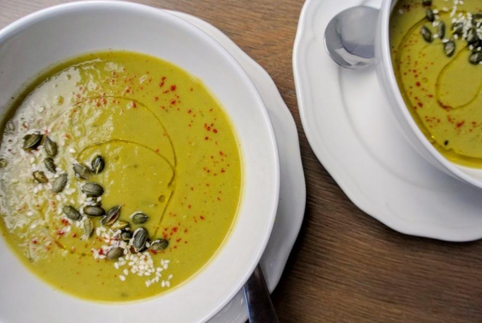 Вкусно по природа: Супа с грах и мента