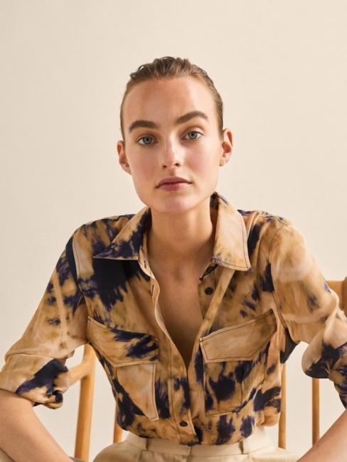 17 ризи от Massimo Dutti, които може да купите с до 60% намаление