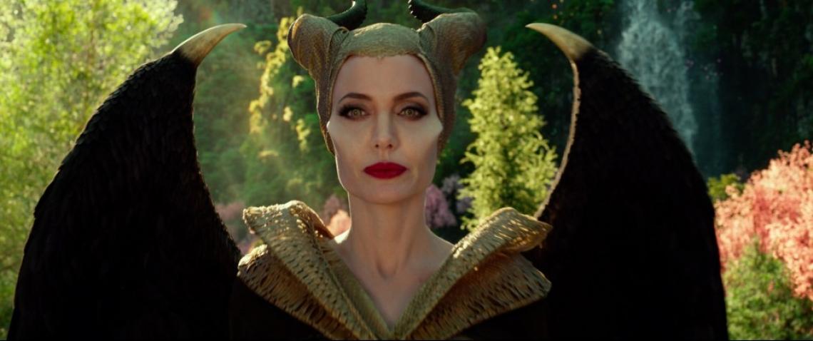 """Колко време е отнемал гримът на Анджелина Джоли в """"Господарка на злото 2""""?"""