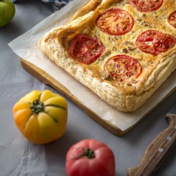 Вкусът на Франция: Тарта с домати и риба тон