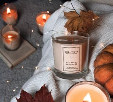 Scentique Candles знаят как ухае Коледа