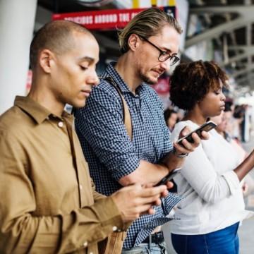 3 признака, че сме пристрастени към смартфона си