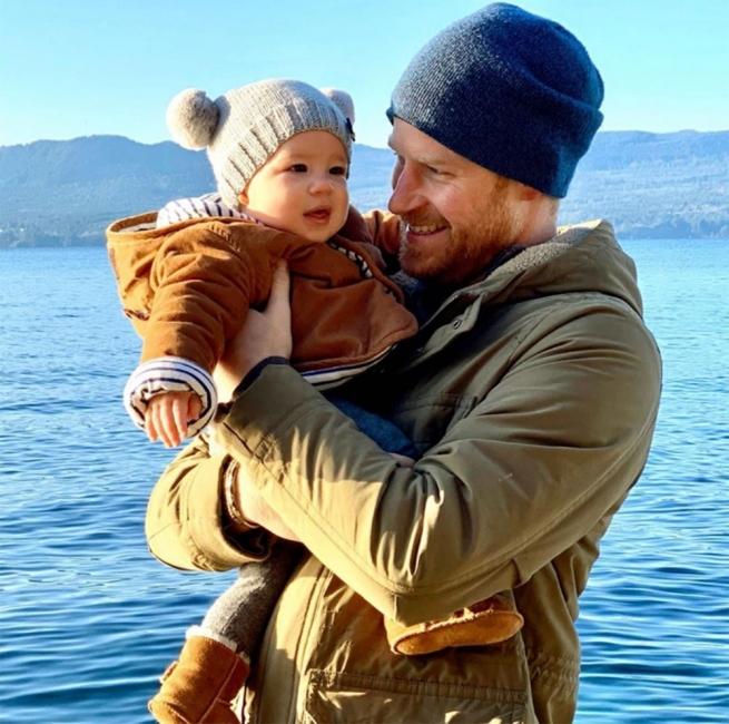 Принц Хари и малкият Арчи с трогателна нова снимка