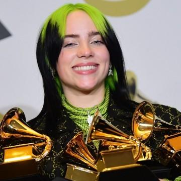 """Били Айлиш, която спечели пет награди """"Грами"""": """"Ариана заслужаваше това"""""""