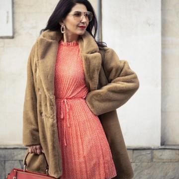 Находка на деня: елегантна рокля с палто от Plámenna Fashion Boutique