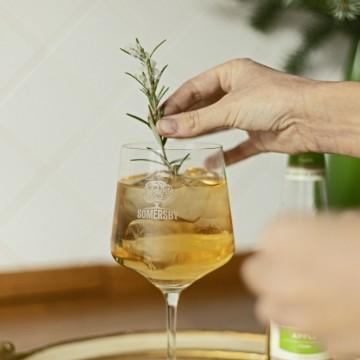 Somersby удоволствиe в чаша, и с неустоим плодов вкус!