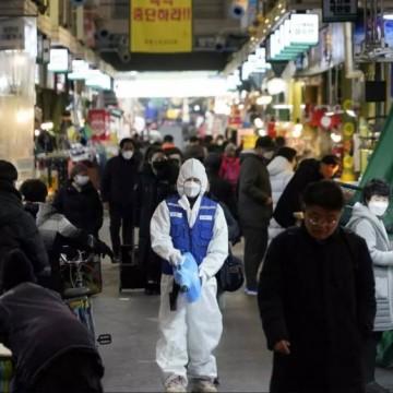 Без социална изолация - тайната на Южна Корея и Сингапур