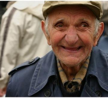 Победа след победа: Мъж на 101 оцеля след испанския грип, Втората световна война и COVID-19