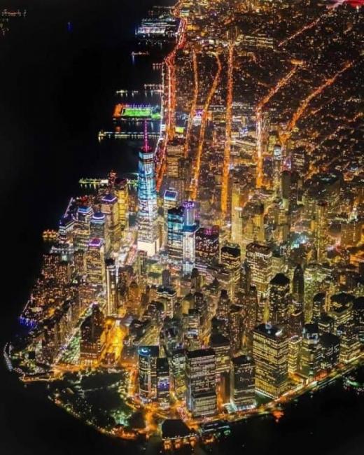 Ню Йорк: Най-страшното нещо на света е мракът зад леко открехнатата врата