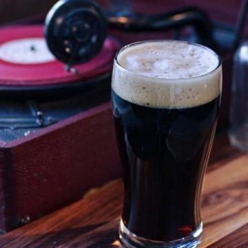 Страхотната бира си отива със страхотна музика!