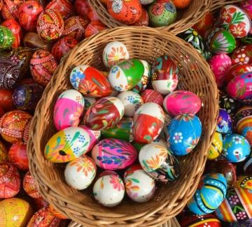 3 нетрадиционни начина за боядисване на яйца