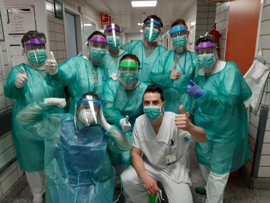 Първата партида от предпазни облекла на Zara вече е доставена в болницата в Галисия