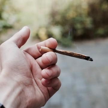 """""""Благодари се, че пуши само джойнт!"""""""