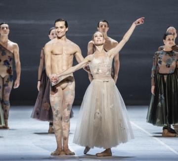 Уникален онлайн урок по балет с Dior и примабалерина от Парижката опера