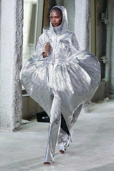 Модата като огледало на епидемията