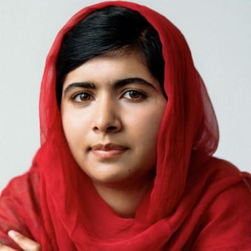 Най-младата Нобелова лауреатка се дипломира