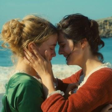 3 филма + 3 сериала, които ни показват силата на любовта между две жени