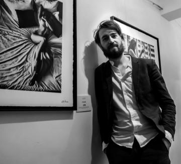 Черно-белият свят на Алекс Манчев, който той ни завеща