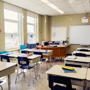 Министър Вълчев: Родителите искат децата в класните стаи