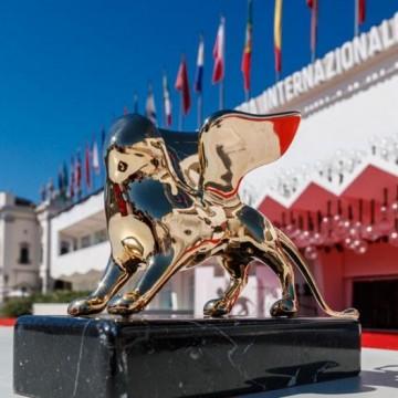 """За първи път от 10 години жена грабна наградата """"Златен лъв""""!"""