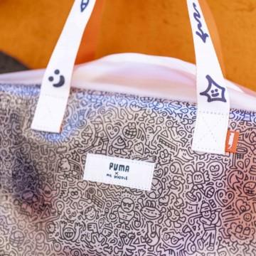 Находка на деня: прозрачната чанта на Puma x Mr. Doodle