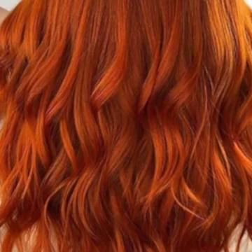 Ярки и дръзки цветове в косите тази есен
