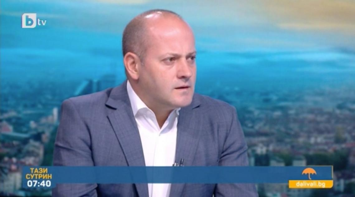 Радан Кънев: Изходът от кризата започва с оставка на правителството
