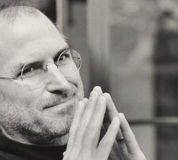 "Стив Джобс: ""Мисли за вчера, мечтай за утре, живей днес!"""