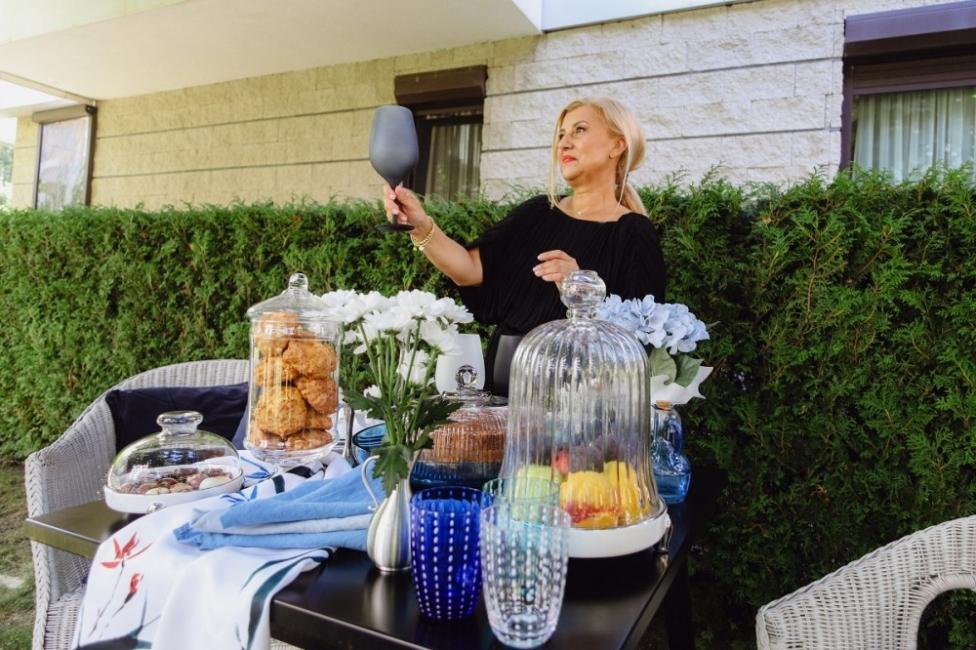 Надя Тодорова, която превръща подреждането на масата в изкуство