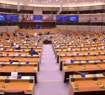 Реакциите в България на дебата снощи: Сами ще се оправим!