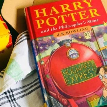 Продадоха книга на Хари Потър за 60 000 паунда