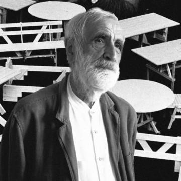 Отиде си един гигант: големият дизайнер Енцо Мари
