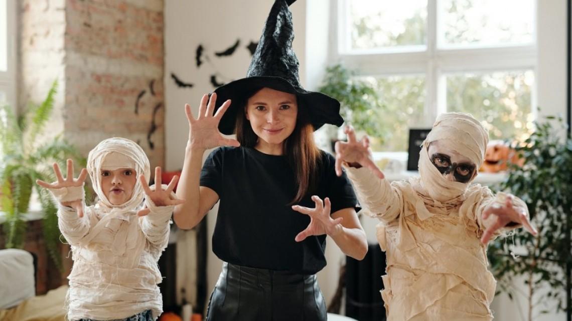Fashion Days със специален фото кът на Mish Mash Fest – The Halloween Edition