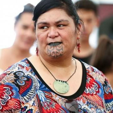 Наная Махута – маори, татуирана, министър на външните работи