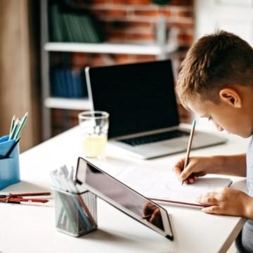 Дистанционното обучение се отразява зле на децата