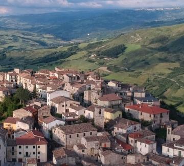 Можем да си купим къща в Италия само за един долар