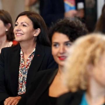 """Глоба за """"твърде много жени в управлението"""" на Париж?"""